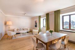 Brunnenzimmer-kleiner-Seminarraum-mit-32-m²-scaled